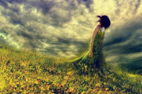 arts,womeninsidegarden,alone,hurt,pain,painting-3f0129592c1990a04e3d11089c036314_h